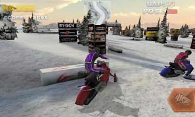 雪地摩托大赛V1.0 安卓版