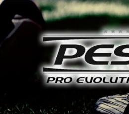 实况足球2015全版本属性修改器 V1.1 绿色免费版