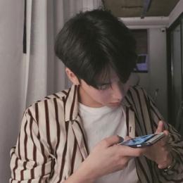 手机控帅气个性男生微博头像高清 手机控男生头像霸气个性2019最新