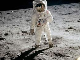 首次登月搞笑镜头是怎么回事 首次登月搞笑镜头是什么情况