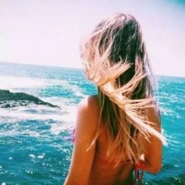 微信头像女生海边背影唯美图片2019 长发森系的女生海边背影头像