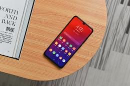 联想Z6和荣耀note10手机对比实用评测