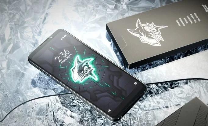 黑鲨游戏手机3手机使用深度对比实用评测