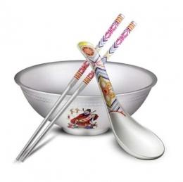 """抖音""""一个碗一双筷子三个勺子""""是什么梗?"""