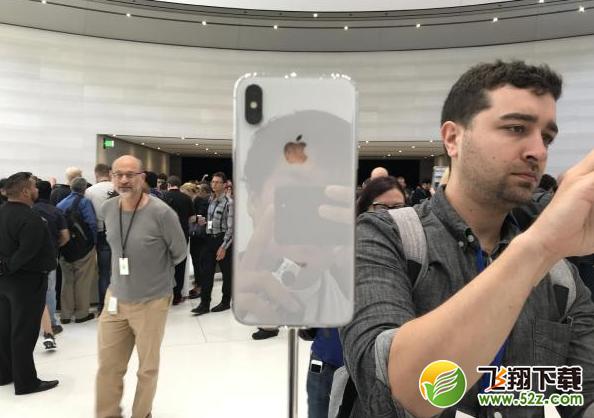 iPhone X现场实拍图一览 黑白正面没区别