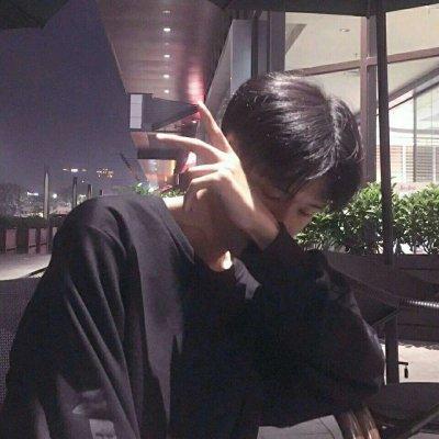 2018最潮qq头像男帅气冷酷 2018好看帅气qq男生头像图片精选图片