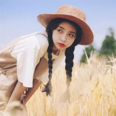 最新微信女生头像长发唯美戴帽子 温柔女生长发唯美微信头像精选图片