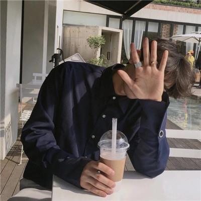 干净帅气高颜值男生头像2018 2018最新干净帅气阳光男生头像大全_52z.com
