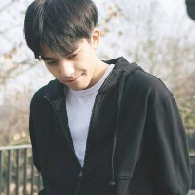 帅气小清新阳光男生头像2019最新 最新干净阳光的小清新男生头像精选