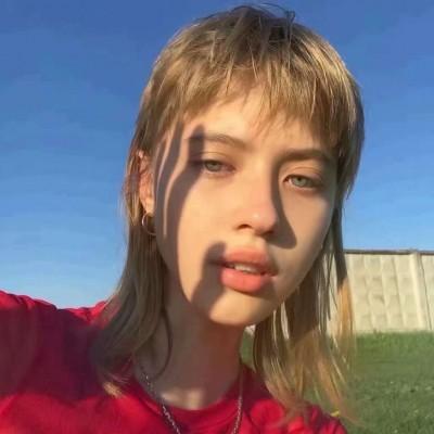 2019最新微信女生头像欧美ins范 超好看的ins风欧美女生头像大全_52z.图片