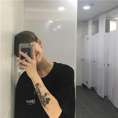 社会人头像2019男生带纹身霸气头像 超霸气的社会人带纹身男生头像