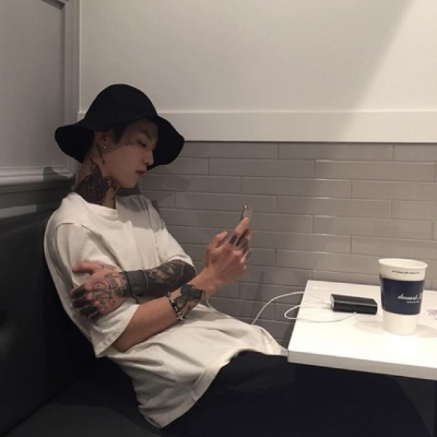 qq头像男生纹身霸气帅哥2019最新 qq头像男生帅气超拽纹身霸气图集