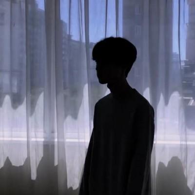 非主流男生伤感头像孤独大全 颓废迷茫伤感孤独男生大图2019最新图片