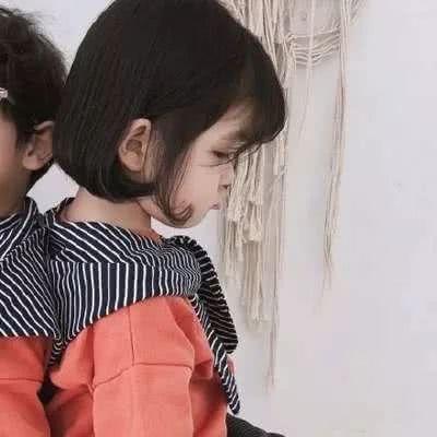 微信萌娃情侣头像一左一右 最新可爱萌娃情侣头像一对_52z.com