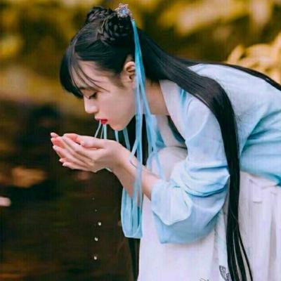 2019最新微信头像古风女生真人冷艳 微信头像冷艳古风女生图片大全_52z.com