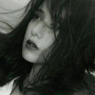 女生微信黑白头像冷酷霸气 女生黑白高冷超拽个性霸气头像_52z.com