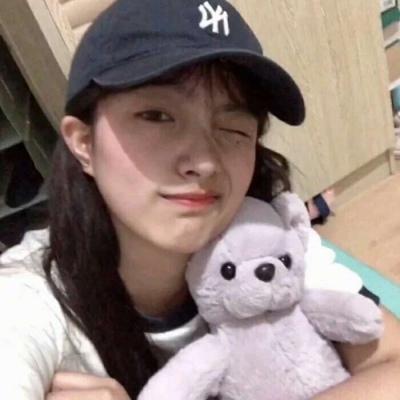 好看的女生�^像�光清� 唯美�L青春女生�^像�光可��_52z.com