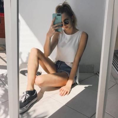 2019气质简单有魅力的欧美女生头像 2019欧美个性气质女生头像最新_52z.com
