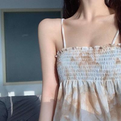 女生超级仙气的部位头像 性感女生锁骨露肩头像大全_52z.com