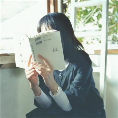 文艺气质长发女生有意境头像2019 女生唯美飘逸长发头像2019精选_52z.com