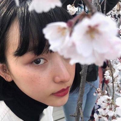 最新原宿风个性女生微博头像 2020独一无二女生超拽头像精选_52z.com