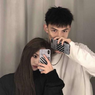 2020情人节浪漫情侣图片 情人节微信朋友圈配图_52z.com