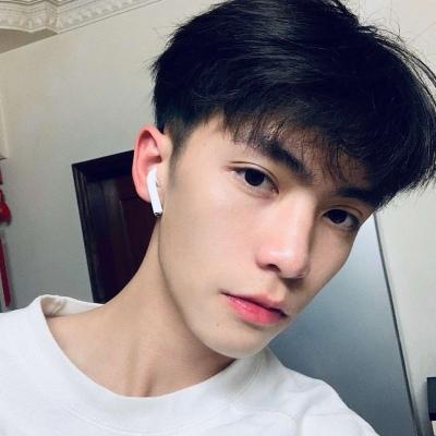 最新帅气个性男生头像2020 很受欢迎的微信男生头像_52z.com
