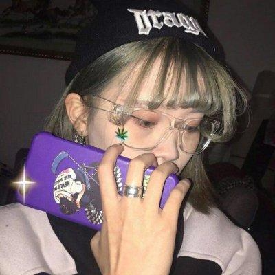 紫色系女生头像霸气伤感2020 好看的紫色系女生头像伤感大全_52z.com