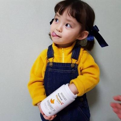 萌娃头像女生可爱萝莉大全 搞怪卖萌的小女孩头像2020最新_52z.com