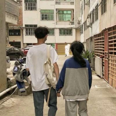 520情侣背影头像低调恩爱_52z.com