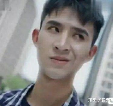 很火的歪嘴龙王/歪嘴战神表情包分享_52z.com